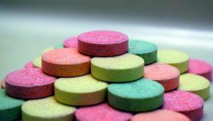 האמת מאחורי תרופות סותרות-חומצה - עינת איזנמן , נטורופתית   מרכז טיליה