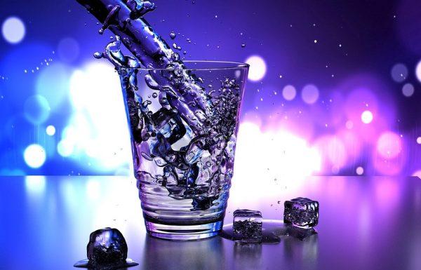 החשיבות של שתיית מים בכמות מספקת
